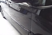 大阪市  ドア修理 トヨタ ヴォクシー 板金塗装